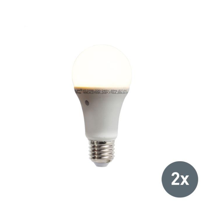Sada-2-LED-žárovek-s-vestavěným-senzorem-světlo-tma-E27-9W-806-lumen-teplá-bílá-2700K