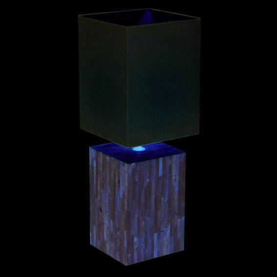 Perlová-stolní-lampa-s-bílým-odstínem