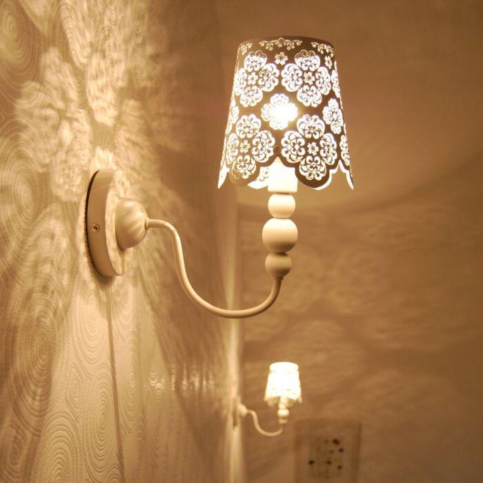 Nástěnná-lampa-Krajka-bílá